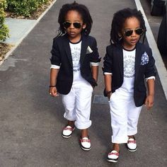 """2YungKings"""" – Young Twin Brothers"""
