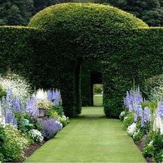 60+ Formal Garden Design Ideas - In this article we will discuss how to design a strictly formal garden on a large, rectangular area. Designing formal garden needs a little bit of hard work on your behalf. You have to keep all the main points and area in mind while designing a layout. #GardenDesign