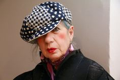 Italian fashion writer and style icon, Anna Piaggi has passed away at the age of 81.