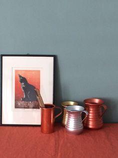 """Ein weiterer sehr charmanter blau- grau Ton. Diese Wandfarbe heisst """"Margarete"""" - ich habe sie nach einem meiner Lieblingskaffees in Frankfurt benannt, wo die Wandfarbe in einem ähnlichen Ton gestrichen war."""