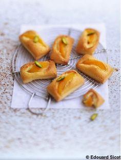 Financiers abricots  et huile d'olive   pour 8 personnes - Recettes Elle à Table