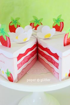 19) Bolo de Papel - fatias de bolo em papel, pensei em fazer uma melancia em fatias. Posso fazer 1 de cada, um deste de morango e outro de melancia.