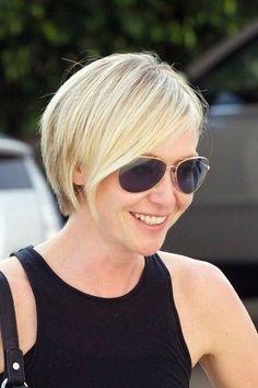 Portia de Rossi Short Hair Style - Summer Short Hairstyles for Thin Hair