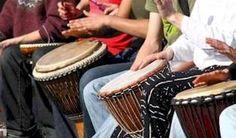 Convocan a Festival Internacional Fiesta del Tambor. El jurado estará integrado por prestigiosos músicos del patio y artistas invitados de Curazao, Chile, Estados Unidos y Canadá, entre otros países, precisa la convocatoria al certamen.    Con un paseo de carnaval dará comienzo la cita, que este año propone la iniciativa de bailables con orquestas populares cubanas en el hotel Habana Libre, además de las tradicionales actividades del programa en diferentes escenarios de La Habana.