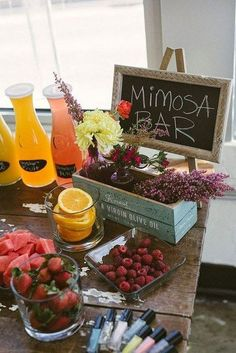 Country bridal shower food mimosa bar 50 ideas for 2019 Brunch Decor, Brunch Party, Brunch Drinks, Brunch Food, Brunch Ideas, Rustic Wedding Showers, Bridal Shower Rustic, Buffets, Cozy Wedding