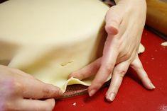 Potahování dortu Red Velvet, Plastic Cutting Board
