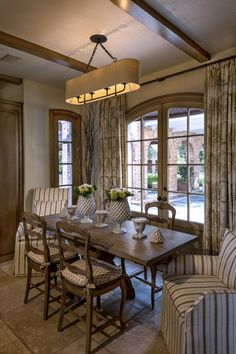 A Delightful Breakfast Area Overlooks The Covered Outdoor Dining And Back Lawn Antique