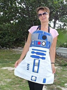 R2D2 Inspired Apron Pattern - Sew Your Own Droid! - So Sew Easy