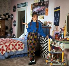 ETC: 7 Best Bedrooms from TV & Movies | Neon Rattail CLARISSA EXPLAINS IT ALL! YES!!!