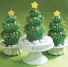 Bolo com forma de árvore de Natal