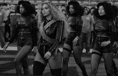 """El sindicato de Policía de Miami, Estados Unidos, hizo hoy un llamado a sus agentes a boicotear la próxima presentación de Beyoncé en la ciudad, al considerar que la cantante estadounidense promocionó en el Super Bowl 50 al movimiento radical Panteras Negras. """"El hecho de que Beyonce usó este año de Super Bowl para dividir […]"""