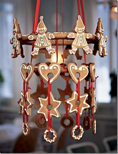 15 Unique And Cool Gingerbread Christmas Home Decoration Ideas Christmas Gingerbread House, Noel Christmas, Christmas Treats, All Things Christmas, Gingerbread Houses, Xmas, Christmas Photos, Gingerbread Decorations, Christmas Decorations