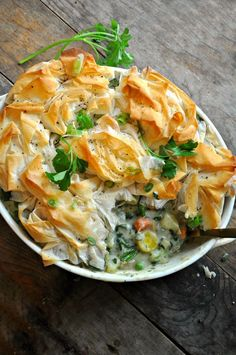 This is the most delicious vegan pot pie ever! With added herbs, spring veggies and phyllo dough, this is the perfect pot pie for spring and summer! Use hemp or oat milk to keep it nut free Vegan Pot Pies, Vegan Dishes, Vegetarian Recipes, Cooking Recipes, Healthy Recipes, Steak Recipes, Fish Recipes, Cooking Pasta, Gastronomia