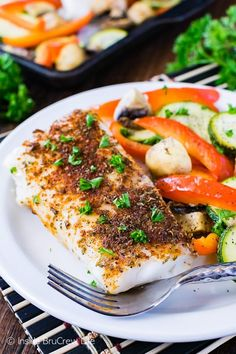 Sheet Pan Chili Lime Cod - this easy lean and green fish and veggie dinner is ready in less than 30 minutes. Great healthy recipe for busy nights! Cod Fish Recipes, Seafood Recipes, Easy Healthy Dinners, Healthy Dinner Recipes, Whole30 Recipes, Clean Recipes, Lean Dinners, Parmesan, Lean Protein Meals