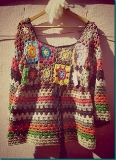 Neuen Hermoso tejido de media estacion We are want to say thanks if you like to share . Crochet Granny, Crochet Baby, Crochet Top, Crochet Jacket, Crochet Cardigan, Hippie Crochet, Crochet Woman, Knit Picks, Crochet Fashion