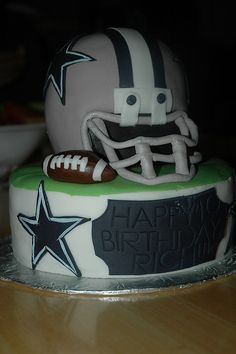 dallas cowboys cake for my husbands bday, but packers Dallas Cowboys Party, Cowboys Football, Football Helmets, Football Team, Cowboy Theme Party, Cowboy Birthday Party, Cowboy Cakes, Nfl, Cowboy Love