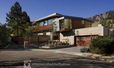 Imagens sugestivas de fachadas de casas e sobrados. Arquitetura, engenharia e Design.