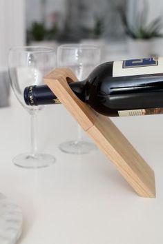 Illusion Wine Stand