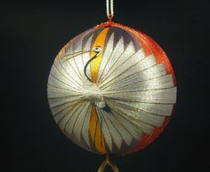 Japanese Temari: Vintage Temari and Cranes Japanese Culture, Japanese Art, Vintage Japanese, Arte Linear, Temari Patterns, Art Populaire, Free To Use Images, Thread Art, Japanese Embroidery