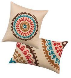 como hacer bordados mexicanos a mano ile ilgili görsel sonucu Cushion Embroidery, Hand Embroidery Stitches, Hand Embroidery Designs, Cross Stitch Embroidery, Embroidery Patterns, Diy Pillows, Cushions, Throw Pillows, Cushion Cover Designs