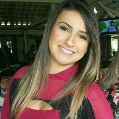 Nome: Lidiane Moreira Rezende. Ano de formatura: 2000. Cidade: Contagem/MG. Profissão: Nutricionista.