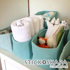 Som bäst inreds kommande ungens egen vrå i sovrummet med byrå och skötbord. Det är en hel del nya grejer som har införskaffats och alla...