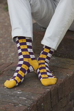 With the Checkmate gold, you're well on your way to winning. Autumn socks, made from the sublimely soft Supima cotton, for truly dapper Foot Socks, Men's Socks, Dress Socks, British Fashion, British Style, Funky Fashion, Men's Fashion, Mens Novelty Socks, Luxury Socks