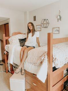 c o l l e g e college dorm ideas, cute dorm ideas, dorm decorations What Fathers Need to Know Copyri College Bedroom Decor, Cool Dorm Rooms, College Dorm Decorations, College Dorm Rooms, Pink Dorm Rooms, Dorm Room Themes, Dorm Room Layouts, Girl College Dorms, Uk College