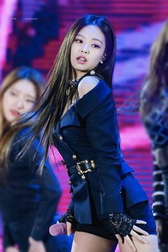 Shared by My Little Flower. Find images and videos about kpop, korean and blackpink on We Heart It - the app to get lost in what you love. Kpop Girl Groups, Korean Girl Groups, Kpop Girls, Blackpink Jennie, Forever Young, Asian Woman, Asian Girl, Queens, Black Pink