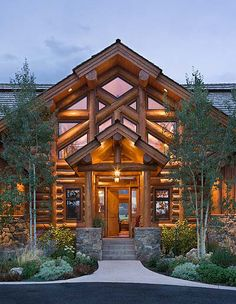 These guys are really doing log homes right