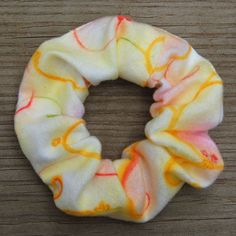 how to make scrunchies - great tut!! tried already and it turned out great!! :)  do it!!