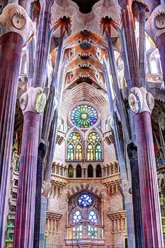 Barcelona Spain ~Sagrada Familia Antoni Gaudi believed there were no straight lines in nature and that is how he built his Barcelona Gothic Architecture, Beautiful Architecture, Beautiful Buildings, Architecture Details, Beautiful Places, Modern Buildings, Beautiful Landscapes, Art Nouveau, Antonio Gaudi
