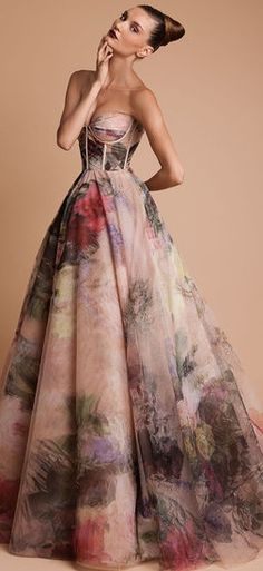 RANI ZAKHEM.... ok maybe I couldn't wear this at a wedding dress but its pretty and I didn't know where else to pin it.