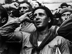 Bidding farewell to the International Brigades, which the Republican government dismissed. Robert Capa, Spanish Civil War, Montblanch, near Barcelona First Indochina War, War Photography, Social Photography, Photography Magazine, Street Photography, Landscape Photography, Fashion Photography, Wedding Photography, Robert Capa