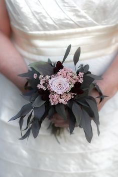If you're planning on having your wedding in a church, you need to consider the best wedding flowers for your venue. That way, you can add a magical and romantic touch to your special day. You will have an easy time choosing church wedding flowers to. Church Wedding Flowers, Cheap Wedding Flowers, Flower Bouquet Wedding, Bridesmaid Bouquet, Flower Bouquets, Wedding Flower Arrangements, Floral Arrangements, Wedding Centerpieces, Creative Wedding Ideas