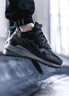 Streetwear Daily Urbanwear Outfits Tag to be featured DM for promotional requests Tags: Sneakers Fashion, Fashion Shoes, Men's Fashion, High Fashion, Men Sneakers, Winter Fashion, Reebok, Air Jordan, Basket Style