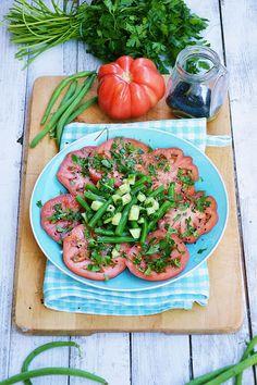 Moja smaczna kuchnia: Sałatka z zieloną fasolką szparagową, pomidorem i ... Vegetables, Food, Essen, Vegetable Recipes, Meals, Yemek, Veggies, Eten
