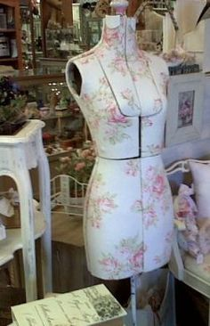 I want to recover my vintage dressform so it will be pretty like this.