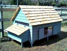 Chicken Coop Plans New England Cape Style por FreshEggsDaily