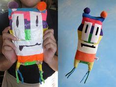 I disegni dei bambini spesso rappresentano personaggi che meriterebbero una consistenza reale, una presenza fisica. Dovrebbero uscire dai fogli e diventare