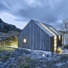 Naust på Aure. Architects: TYIN tegnestue Arkitekter