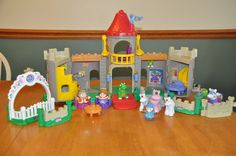 Fisher Price Little People Lil Kingdom Castle Lights & Sounds Wizard Dragon & #FisherPrice