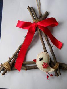 Karácsonyi ajtódísz fali dísz dekoráció sapkás madárkával (littlecrochetforU) - Meska.hu