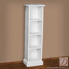 Bücherregal BARCELONA weiß H108cm Pinie Massivholz - Dieser Regalschrank im Landhausstil wird Sie begeistern. Er ist in gekonnter Handarbeit nach alten Vorlagen aus hochwertiger, massiver Pinie gefertigt.