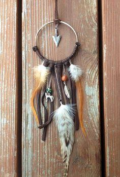 Atrapasueños marrón, Dream Catcher collar, joyería Bohemia, collar, collar del lobo de la pluma