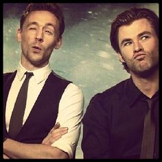 Could there BE a better bromance?! #tomhiddleston #chrishemsworth ^^^ read that in a chandler voice, btw