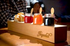 This gourmet marmalade and baguette shop located downtown in the stylish Gaslamp Quarter caters to upper middle-income city dwellers ages 25-40. Using the finest natural ingredients this artisan bakery and café wanted to develop striking product packaging, menus, and signage worthy of their hand crafted breads and jellies made from old world recipes.