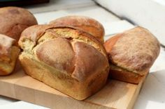 This No-knead Brioche recipe is as simple as it sounds. Rises overnight in the fridge and bakes up buttery and delicious every time! Small Bakery, Brioche Recipe, Baking Business, Fresh Bread, How To Make Bread, Brunch Recipes, Yummy Food, Favorite Recipes, Homemade