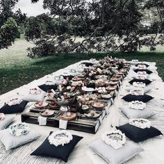 Black n White Picnic Outdoor Weddings, Outdoor Wedding Reception, Outdoor Parties, Reception Ideas, Wedding Backyard, Backyard Picnic, Garden Wedding, Party Wedding, Garden Party Decorations