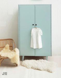 Vintage – sixties kledingkast 3 – vergrijsd blauw – restyle